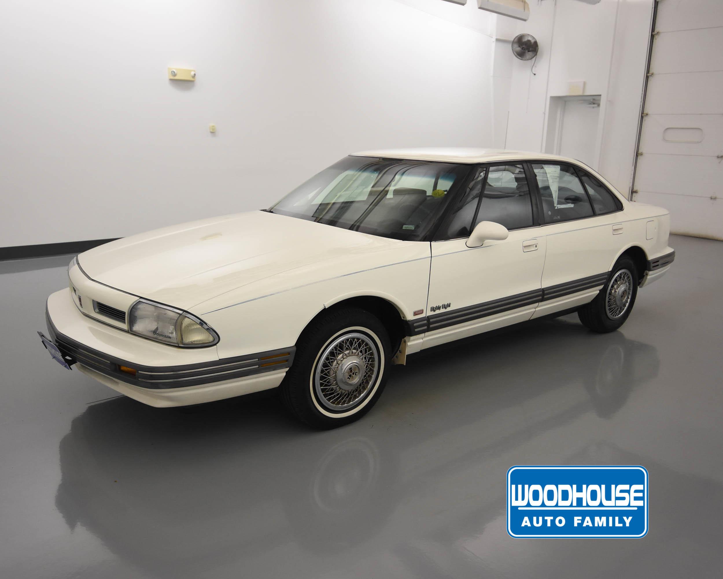 1992 Oldsmobile Eighty-Eight Royale Base